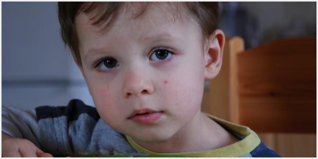 Bambini abbandonati in Grecia