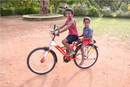 Bambini in bicicletta e sicurezza stradale