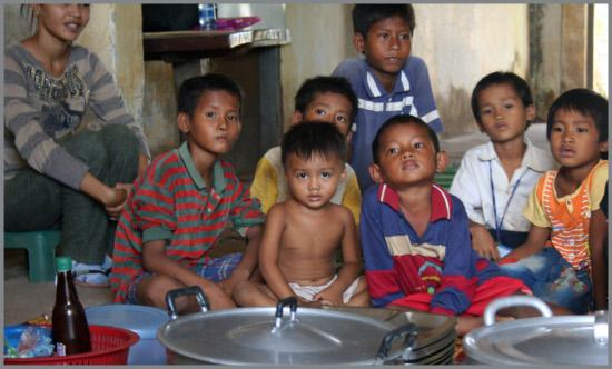 Virus in Cambogia: scuole chiuse
