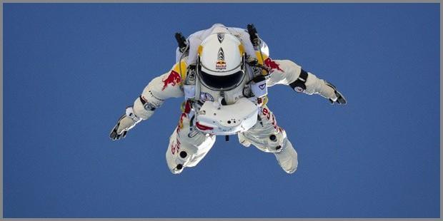 Felix Baumgartner e il salto dallo spazio: quanti soldi spesi?