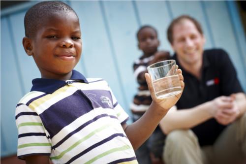 Acqua in Africa e bambini