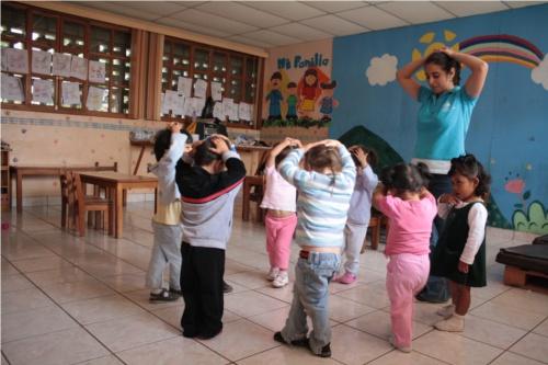 Esercizi di yoga per bambini