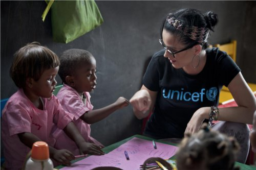 kate perry con unicef