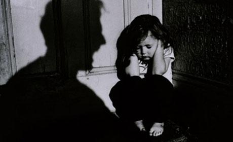 violenza sui bambini in italia