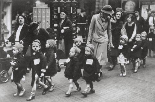 adozioni a distanza: storie della 2 guerra mondiale