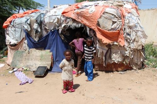 La baracca in cui vive Muha (foto da .sosbornebyerne.dk)