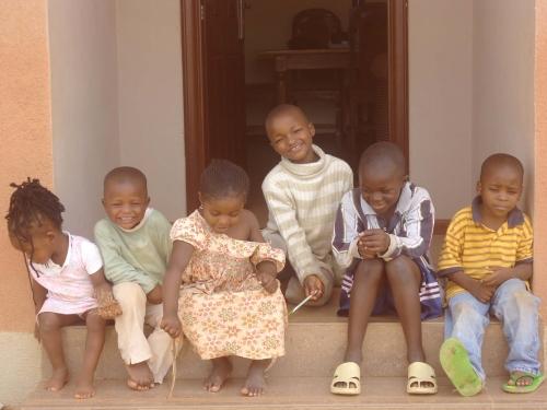 bambini villaggio sos jos nigeria
