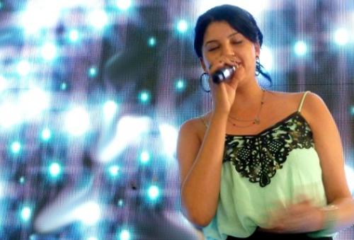 Yasmin durante il programma