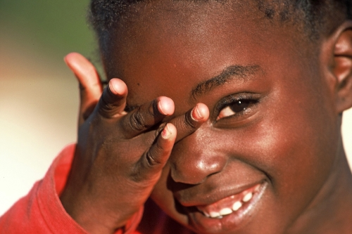 una bambina del Villaggio SOS di Lubango (foto di Tony Figueira)