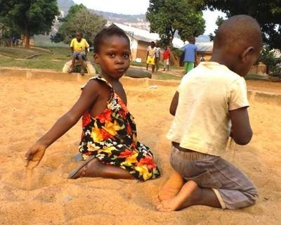 bambini villaggio sos bangui
