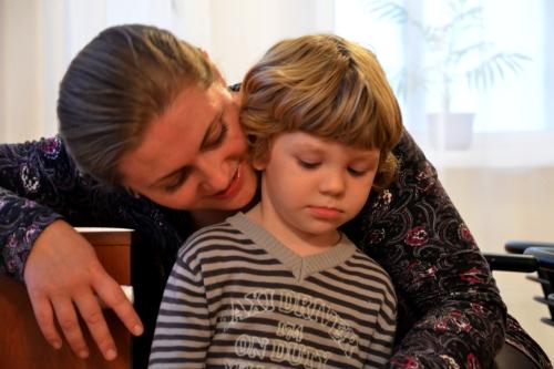 Mamma SOS con Bambino (foto di Mr Marko Mägi)